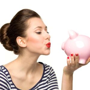 「お金に縛られないためには?」幸福度が高くなるお金の使い方