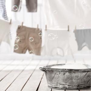 ジメジメ雨の湿気でニオイやダニが気になる……洗濯の悩みを解消!