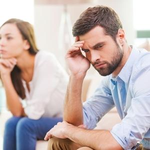 夫が落ち込んでいる時、どうすればいい?理解するべき男女の違い
