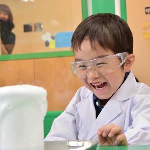 小さな科学者誕生♡「なぜ?」を育む『ベネッセ サイエンス教室』とは