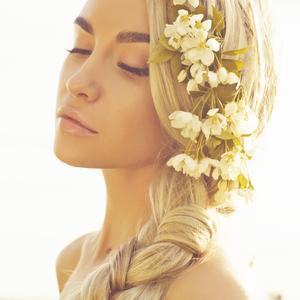 ダメージなし!髪も頭皮も美しくなる白髪染め「ヘナ」の魅力とは?