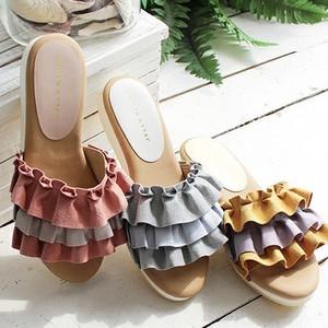 トレンドのペタンコ靴が欲しい♡夏は断然華やかな「フリルサンダル」