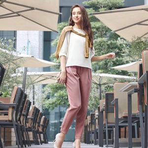 大人気のUNIQLOジョガーパンツ♡夏から秋はこう着こなす!