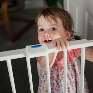 必要な材料は3つだけ♪赤ちゃんの安全を守る「ベビーゲート」DIY