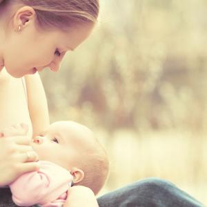 コレはSOS?赤ちゃんの突然の「授乳拒否」その原因と対処法とは