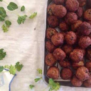 アレンジ豊富でヘルシー!豆と塩麹の発酵食レシピ「大豆ベジボール」