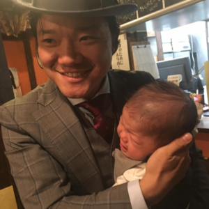 ボクシングとは違う一面が…♡亀田大毅さんのイクメンっぷりに注目!