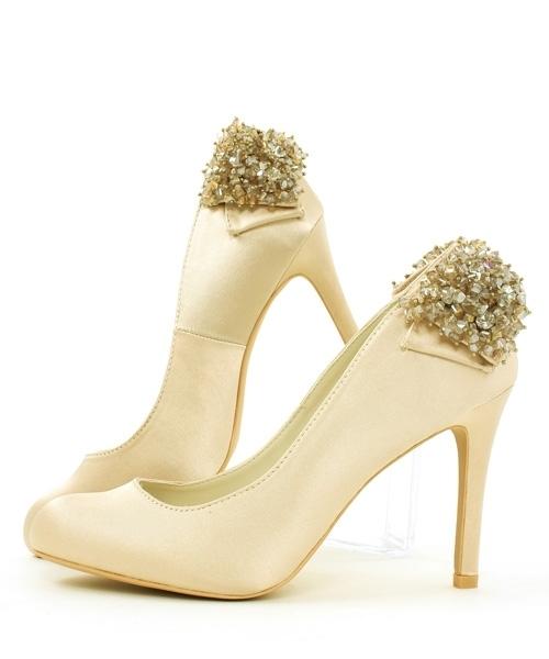 RANDA(ランダ)のプチプラ流行靴④ お呼ばれ用のドレッシーなパンプス♡