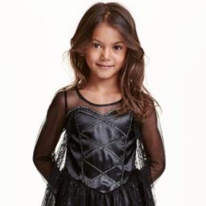 控えめがおしゃれ♡ハロウィンの仮装用「H&M」の女の子ワンピース